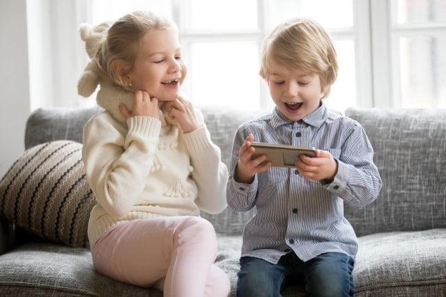 crianças-smartphone-google